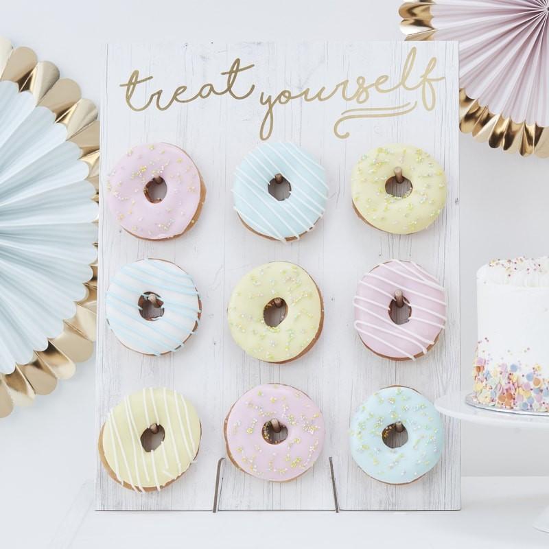 Donut-WallUg4hdEcHqb78G