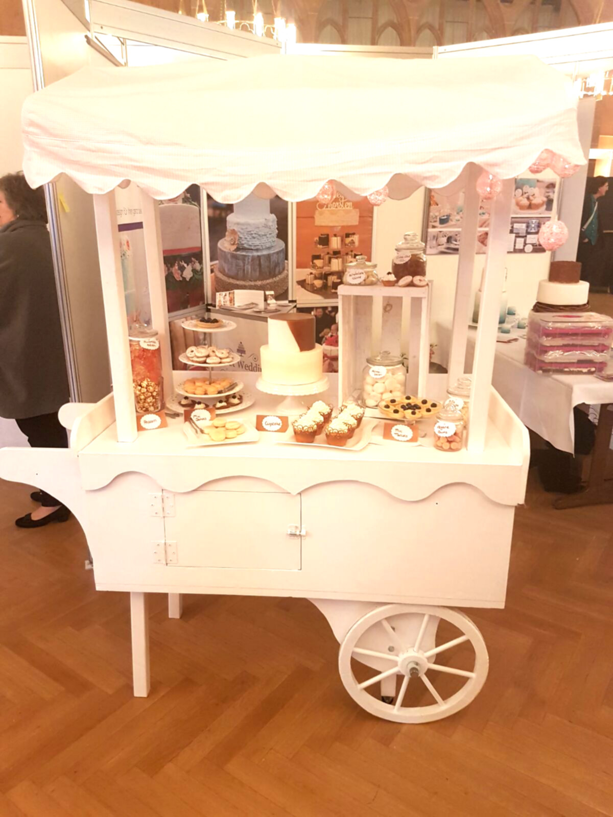 Candy Bar Wagen Fur Die Hochzeit Marry You